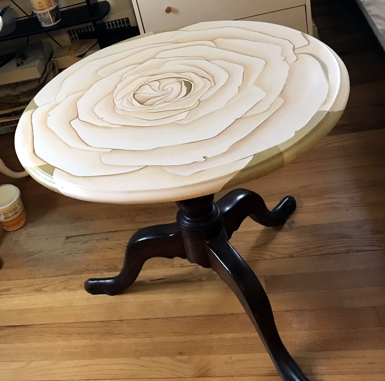 Round Table - Rose